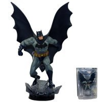 Статуэтка - DC Comics Universe Direct Online Batman Figure